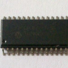 Circuit integrat Microchip PIC16LF72 -I/SO, SOIC 28