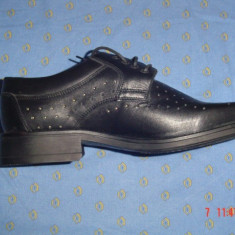Pantofi piele naturală marca AGDESY
