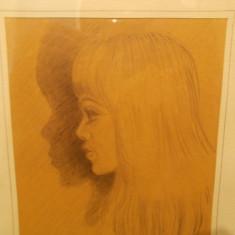 PORTRET DE TANARA - veche GRAFICA semnata / tablou, sticla protectie, 1967 - Pictor strain, Portrete