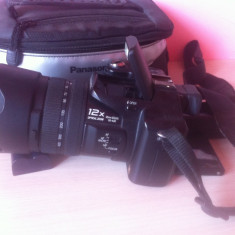 Aparat foto Panasonic DMC - FZ50 geanta originala Panasonic - Aparat Foto compact Panasonic, Compact, 10 Mpx, 12x, Sub 2.4 inch