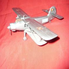 Macheta Aeromodel vechi , plastic - Biplan N 142  ,cu steagul Romaniei ,L=17cm