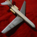 Macheta Aeromodel vechi , plastic - Avion Caravelle ,cu steagul Romaniei ,L=32cm
