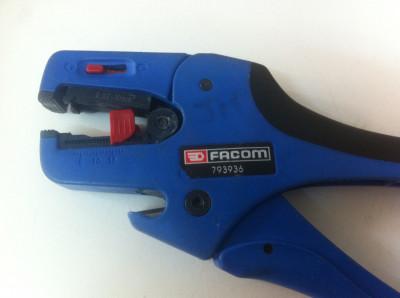 FACOM 793936 ,, Cleste Electriceni '' foto