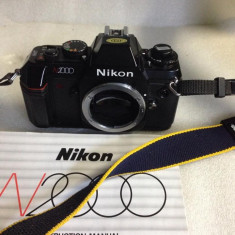 Vand NIKON N2000 body impecabil ca si nou - Aparat Foto cu Film Nikon
