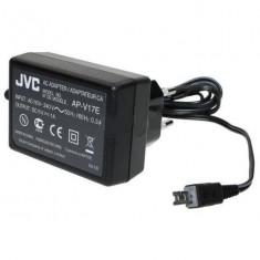ALIMENTATOR original camera video JVC AP-V17E 11V 1A seria JVC-GR, JVC-GZ - Incarcator Camera Video