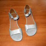 Sandale dama , marca Clarks din piele naturala model foarte deosebit