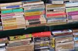 Lot de 100 Carti Vechi Beletristica Pret Foarte Mic, 1989