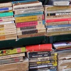 Lot de 100 Carti Vechi Beletristica Pret Foarte Mic