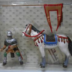 2770.Calaret din plumb Cavaler medieval burgund