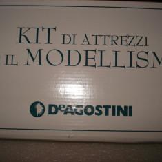 2736.Kit pentru modelism DeAgostini