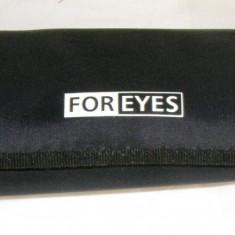 Etui ochelari marca Foreyes