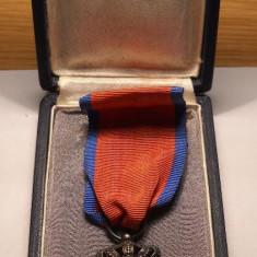 Ordinul Corona Romaniei Cavaler de razboi, Panglica de Virtute Militara la Cutie