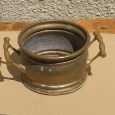 Vas din bronz vechi/jardiniera