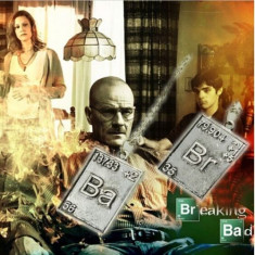 Set Pandantiv / Colier / Lantisor - Film BREAKING BAD - CHEMICAL SIMBOL - 2BUC - Set bijuterii argint