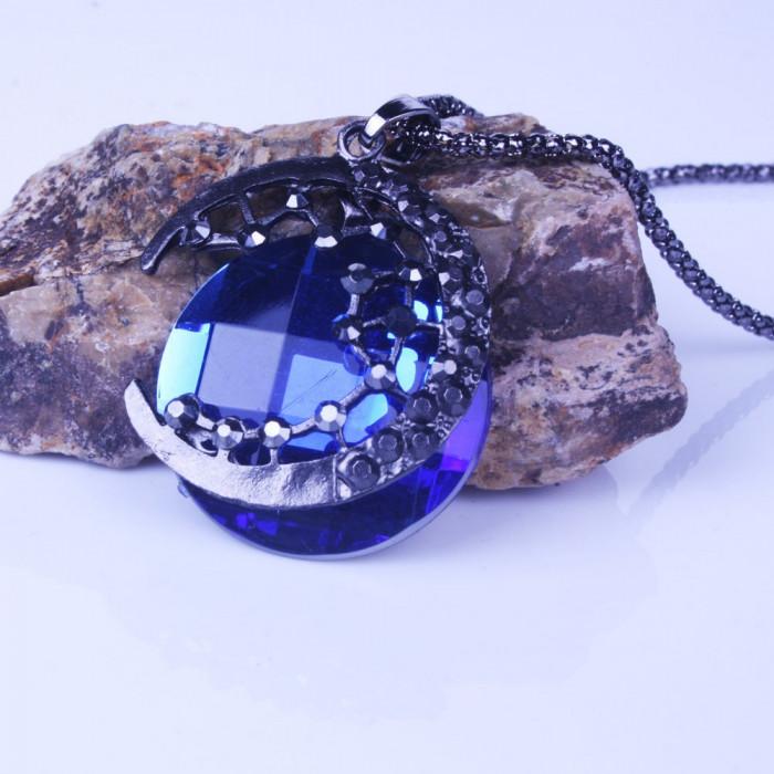 Pandantiv / Colier / Lantisor - Luna Din Cristal