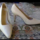 Pantofi ivoire dama, marimea 8M , toc 8cm, all man made, made in China, noi