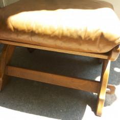 Scaun vechi, din lemn, taburet, cu perina, german, Scaune