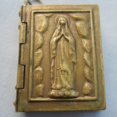 Medalion Franta Carticica Religioasa 10 foto Splendid 10 Spectaculos de efect