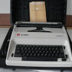 Masina electrica de scris Olimpia Reporter - Masina de scris