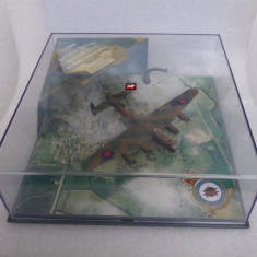 Avion Avro Lancaster, Corgi, 1/144 - Macheta Aeromodel