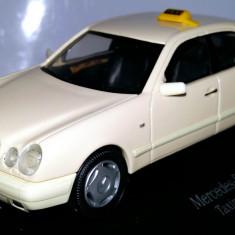 Oferta de vara! SCHUCO Mercedes E-Klasse taxi 1:43