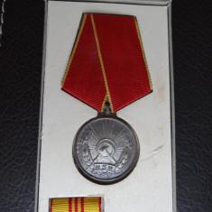 Medalie - Medaliea muncii - RSR - Stare foarte buna - Medalii Romania, An: 1971