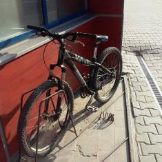 Vand bicicleta: UMF Hardy 1, dirt one si frane hidraulice Magura - Mountain Bike, 24 inch, 26 inch, Numar viteze: 8, Aluminiu, Negru
