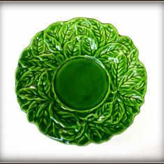 Farfurie majolica WMF - portellan Mezger, decorata cu frunze - Arta Ceramica