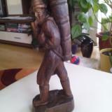 Omul cu pipa - sculptura in LEMN