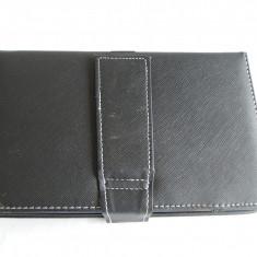 HUSA CU TASTATURA TABLETA - Husa tableta cu tastatura