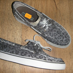 Tenisi/mocasini SPERRY TOP SIDER originali noi animal print gri/argintiu 36 - Tenisi dama Sperry, Textil