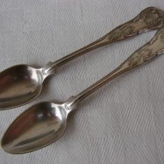 Doua lingurite din alama placate cu argint, perioada anilor 1900, Tacamuri