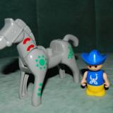 Figurina tip lego, cal si calaret, colectie, calul: 10x13cm, omuletul: 6cm,