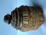 Veche caseta sculptata piatra marina