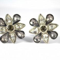 Cercei vintage, cristale Bohemia, silver tone, Avon, model floral, clips, statement, bijuterii America, perioada postbelica, piese colectie, REDUCERE