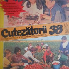 HOPCT REVISTA CUTEZATORII NR 38 - 19 SEPTEMBRIE 1974 -PIONIERII LA CULES DE ROSII !PE COPERTA ! - Revista scolara