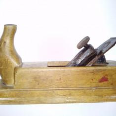 Rara si veche rindea Ulmer - Gusssthall cu surub de reglaj, inceput de secol XX
