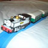 Tomy - Thomas and Friends - Trackmaster - Locomotiva motorizata (cu baterii) FREDDIE - Trenulet Tomy, Plastic