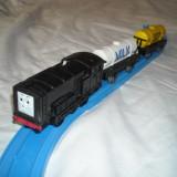 Tomy - Thomas and Friends - Trackmaster - Locomotiva motorizata  (cu baterii) DIESEL
