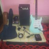 Set complect : chitara Fender ( originala ), statie, procesor, microfon - Chitara electrica