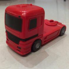 Macheta Camion 2 scara 1/64