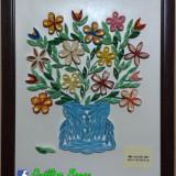 """Tablou """"Vaza cu flori"""" Quilling. Produs Handmade"""