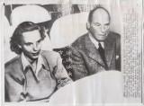 "Fotografie de presa Printesa Ana de Bourbon-Parma si unchiul Erik, catre Elvetia, autentica si originala, 5 IUNIE 1948, ""ASSOCIATED PRESS WIREPHOTO"", Monarhie, Romania 1900 - 1950"
