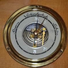Barometru termometru