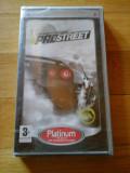 Cumpara ieftin JOC PSP NEED FOR SPEED PROSTREET PLATINUM SIGILAT ORIGINAL / STOC REAL / by DARK WADDER, Curse auto-moto, 12+, Single player, Electronic Arts