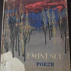 POEZII -- Mihai Eminescu [ilustratii de PERAHIM] -- 1961, 134 p - Carte poezie