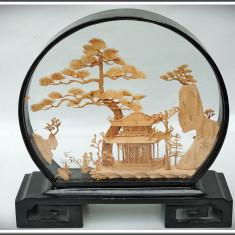 DECORAȚIUNE 3D FĂCUTĂ DIN BAMBUS, PEISAJ CU PAGODĂ ȘI COCORI, R. POPULARĂ CHINA! - Arta din Asia