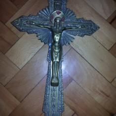 Cruce veche franceza, din bronz masiv cu Isus rastignit