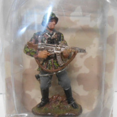 2617.Soldat din plumb Colectia AL III REICH - Waffen SS Schutze 1:30