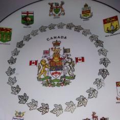Farfurie decorativa, stema Canadei si a provinciilor ei, motive aurite - Arta Ceramica